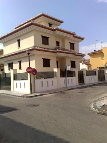 Chalet en Venta en Calle Río Genil de Ogíjares,  O