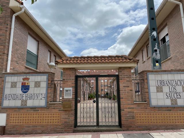 Casa adosada en Venta en Avenida Haro, 2 de Santo