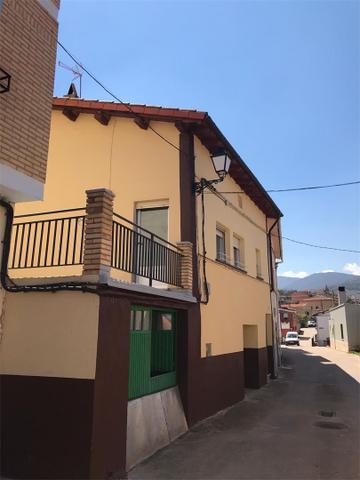 Casa adosada en Venta en Calle General Azofra de V