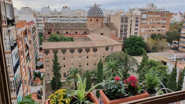 Piso en Alquiler en Calle Jaca de Valencia ciudad,