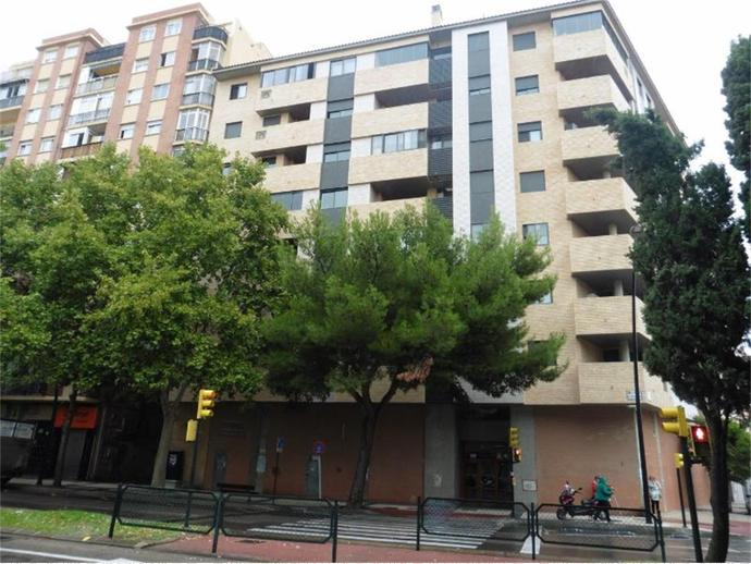 Foto 3 von Avda. Cataluña, El Rabal ( Zaragoza Capital)