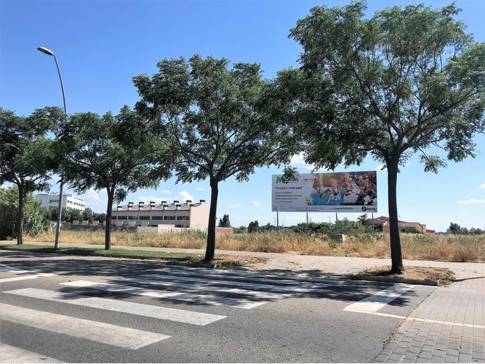 Foto 3 von Landstrasse ARQUITECTE IGNASI MIQUEL, 2 / Joc de la Bola - Camps d'Esports - Ciutat Jardí - Montcada ( Lleida Capital)