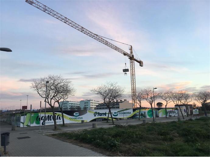 Foto 7 von Landstrasse ARQUITECTE IGNASI MIQUEL, 2 / Joc de la Bola - Camps d'Esports - Ciutat Jardí - Montcada ( Lleida Capital)