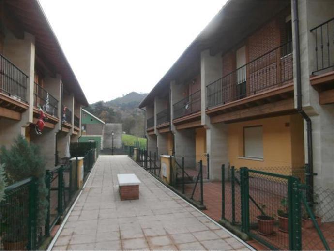 Photo 1 of Santa María de Cayón