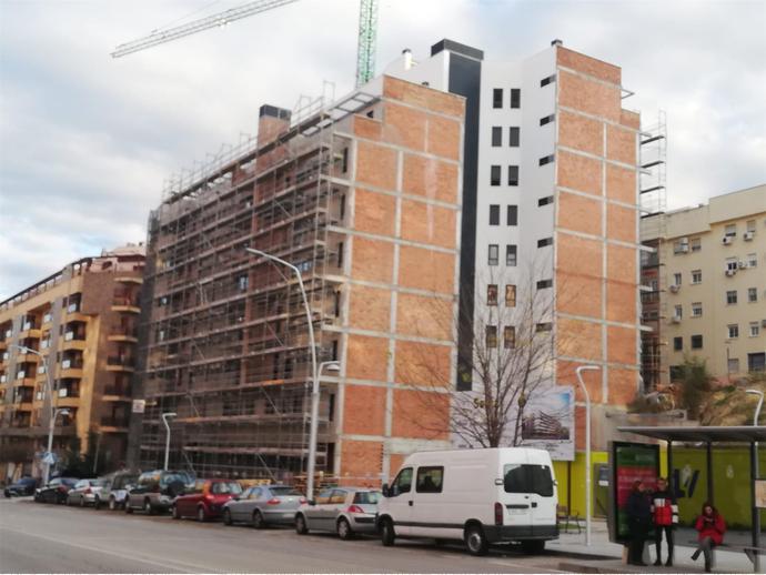 Foto 18 von Av Andalucía,  / Santa Isabel - Ciudad Sanitaria ( Jaén Capital)