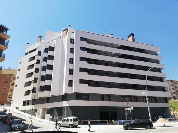 Photo 16 of Av Andalucía,  / Santa Isabel - Ciudad Sanitaria ( Jaén Capital)