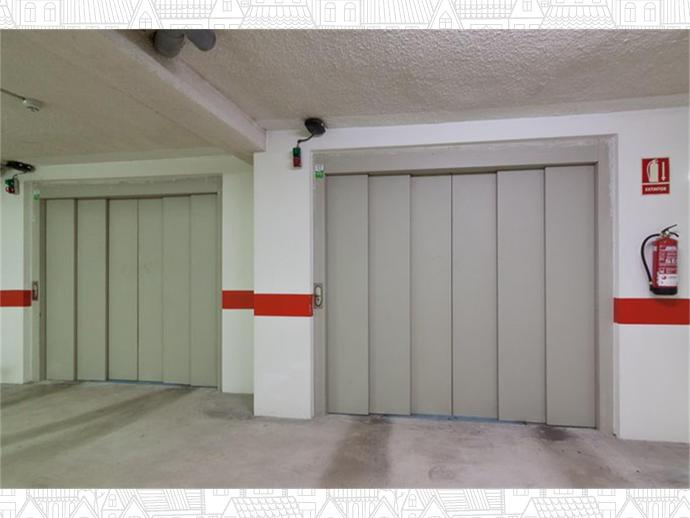 Foto 32 de Inmobiliaria - Barreda (Torrelavega )
